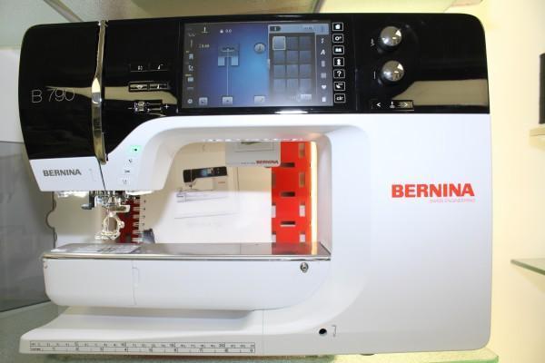 Nähmaschine BERNINA 790 mit Stickmodul ( Ausstellungsmaschine)
