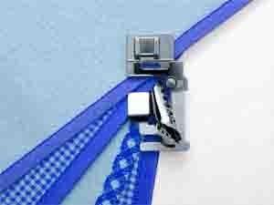 ELNA / JANOME Schrägbandeinfasser für ungefalztes Schrägband 24mm (für Umlaufgreifer bis 7mm)